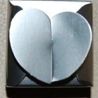 עטיפת מתנות ליום הולדת   קופסא בצורת לב