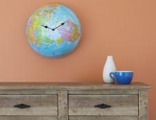 שעון קיר בצורת גלובוס